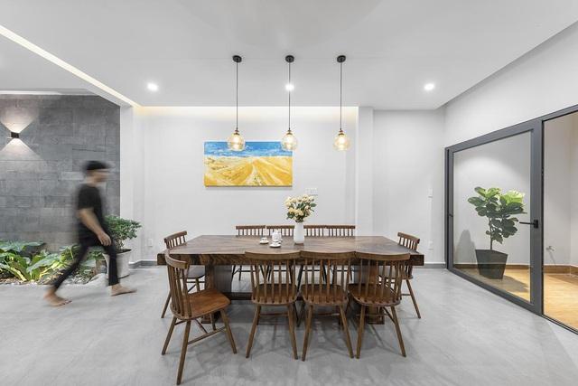 Nhà trong hẻm lột xác thành không gian sống vạn người mê ở Sài Gòn - Hình 8