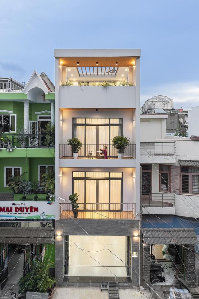 Nhà trong hẻm lột xác thành không gian sống vạn người mê ở Sài Gòn - Hình 2