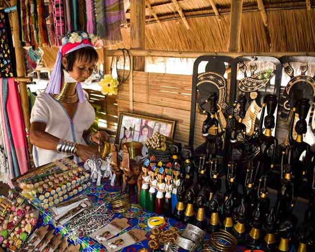 Gặp gỡ những người phụ nữ cổ dài cuối cùng ở Thái Lan - 5