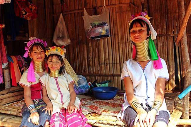 Gặp gỡ những người phụ nữ cổ dài cuối cùng ở Thái Lan - 1