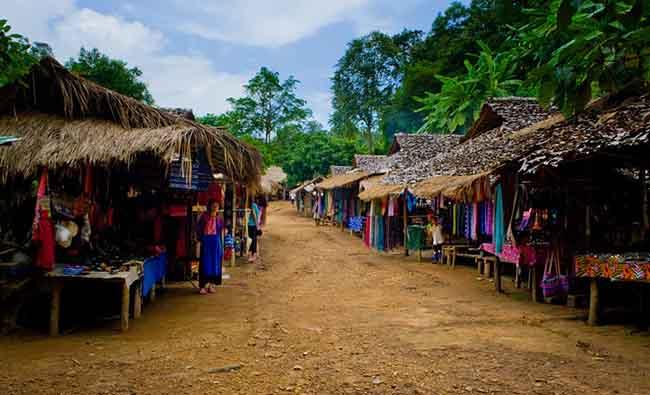Gặp gỡ những người phụ nữ cổ dài cuối cùng ở Thái Lan - 4