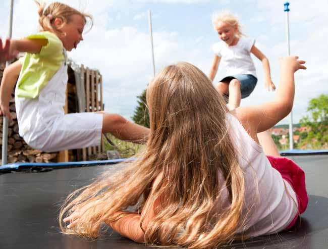 7 điều nguy hiểm con vẫn làm hằng ngày mà cha mẹ không hay biết - 5