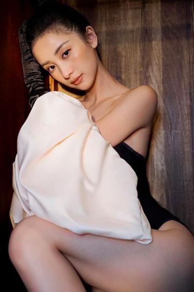 Hot girl Jun Vũ khoe tăng cân, ngày càng gợi cảm khi có da có thịt - 9