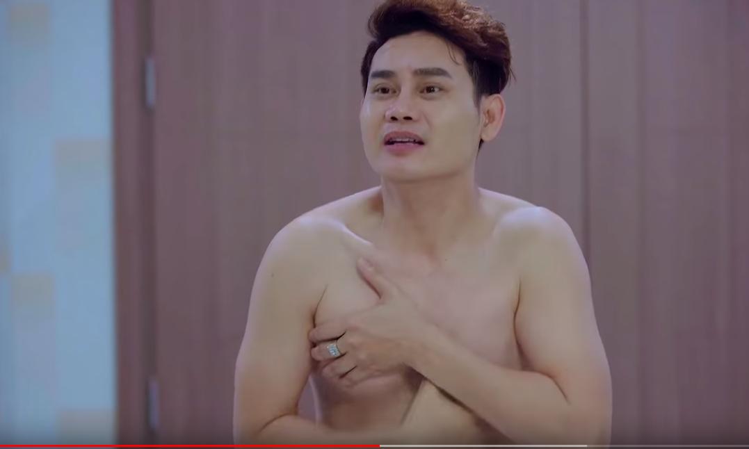 """MC VTV """"muốn chui xuống đất"""" vì xấu hổ khi diễn cảnh bán nude - 3"""