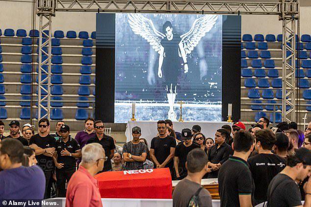 Ca sỹ Brazil chết vì tai nạn máy bay - 6