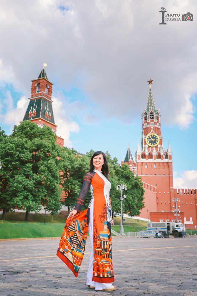 Rạng rỡ áo dài Việt trước cung điện Kremlin - 11