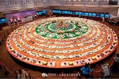 Chiêm ngưỡng bàn tiệc gồm 1088 món, trị giá 2310 tỷ đồng