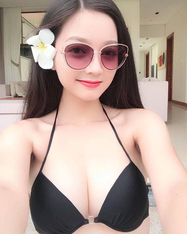 Cô gái mặc áo dài đẹp như Mai Phương Thúy khi diện bikini lại bốc lửa không ngờ - 19