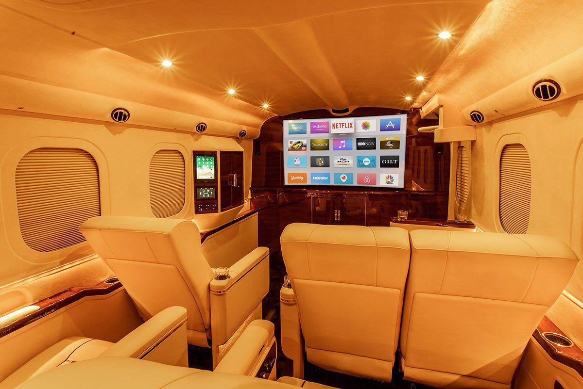 Biến xe bán tải thành phi cơ trên mặt đất giá triệu đô - 1