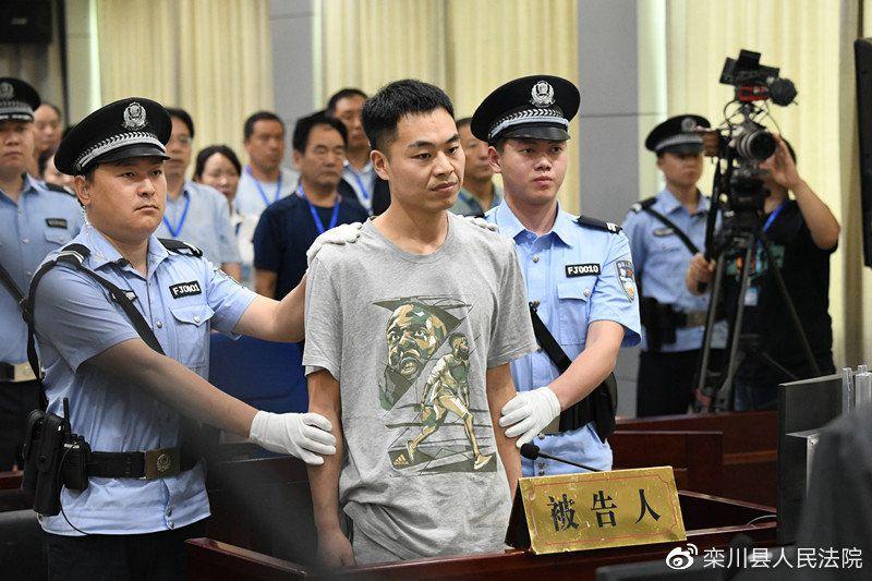 Đi tù vì chặn đánh giáo viên cũ, quay clip đưa lên mạng xã hội - 4