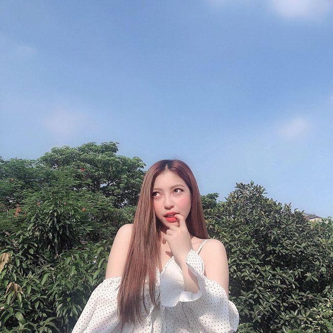 Bạn gái Quang Hải mỗi lần xuất hiện lại khiến mọi người phải trầm trồ - 1