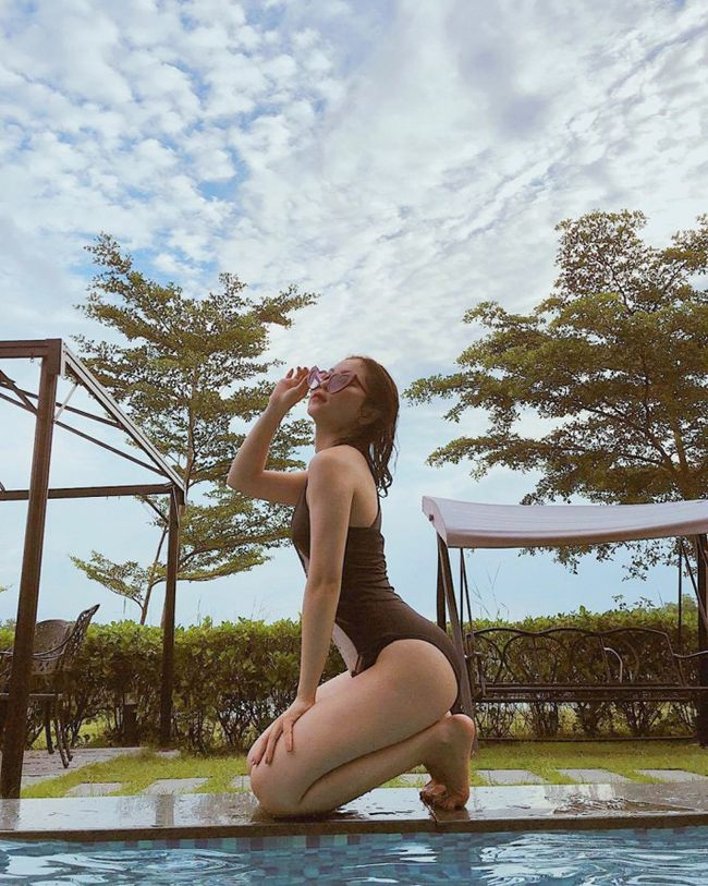 Bạn gái Quang Hải mỗi lần xuất hiện lại khiến mọi người phải trầm trồ - 19