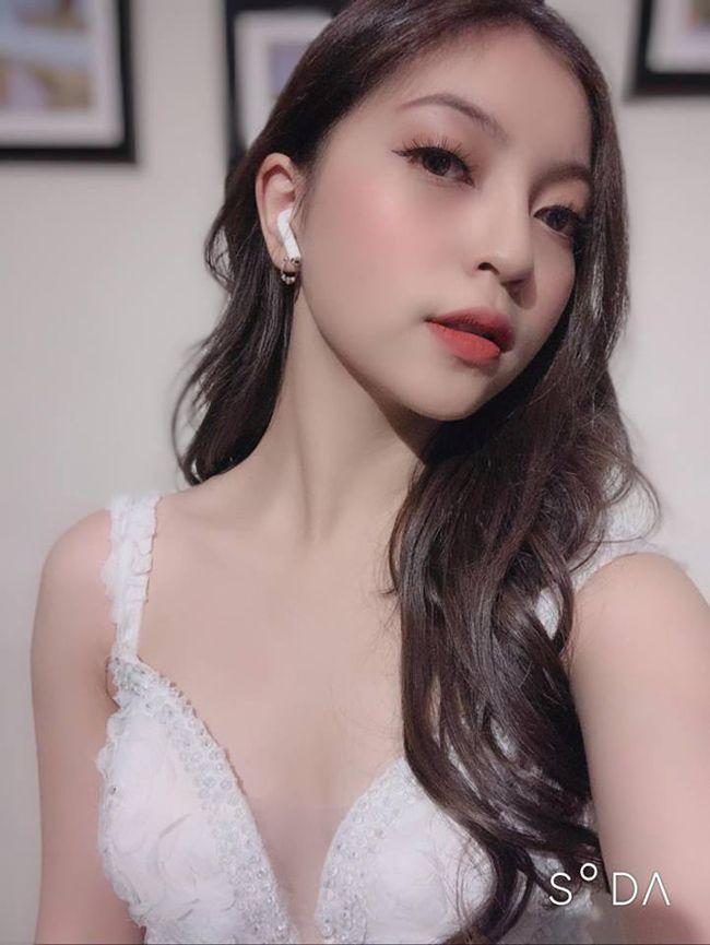 Bạn gái Quang Hải mỗi lần xuất hiện lại khiến mọi người phải trầm trồ - 5
