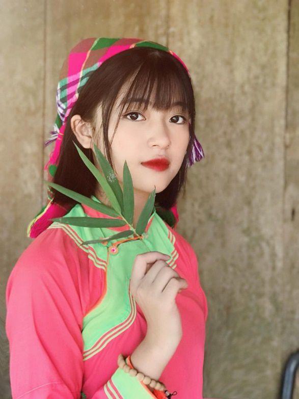 Xao xuyến nét đẹp trong sáng của cô gái dân tộc Giáy - 1
