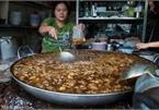 Độc đáo món bò hầm liên tục trong gần nửa thế kỷ tại Thái Lan