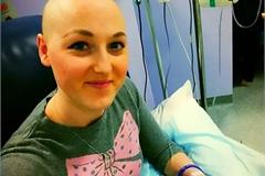 Cắt ngực, hóa trị 2 lần, rụng hết tóc mới biết không hề mắc ung thư