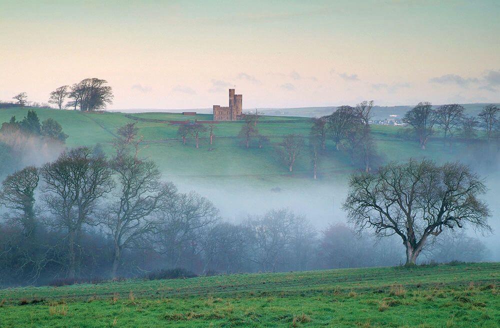 Lâu đài trung cổ tuyệt đẹp từ thế kỷ 18 với những tòa tháp và sân bay trực thăng được rao bán với giá 1,25 triệu bảng - 7