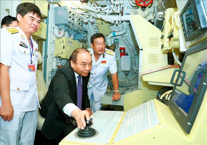 """Cận cảnh 6 """"Hố đen đại dương"""" thuộc Lữ đoàn Tàu ngầm của Hải quân Việt Nam - 10"""