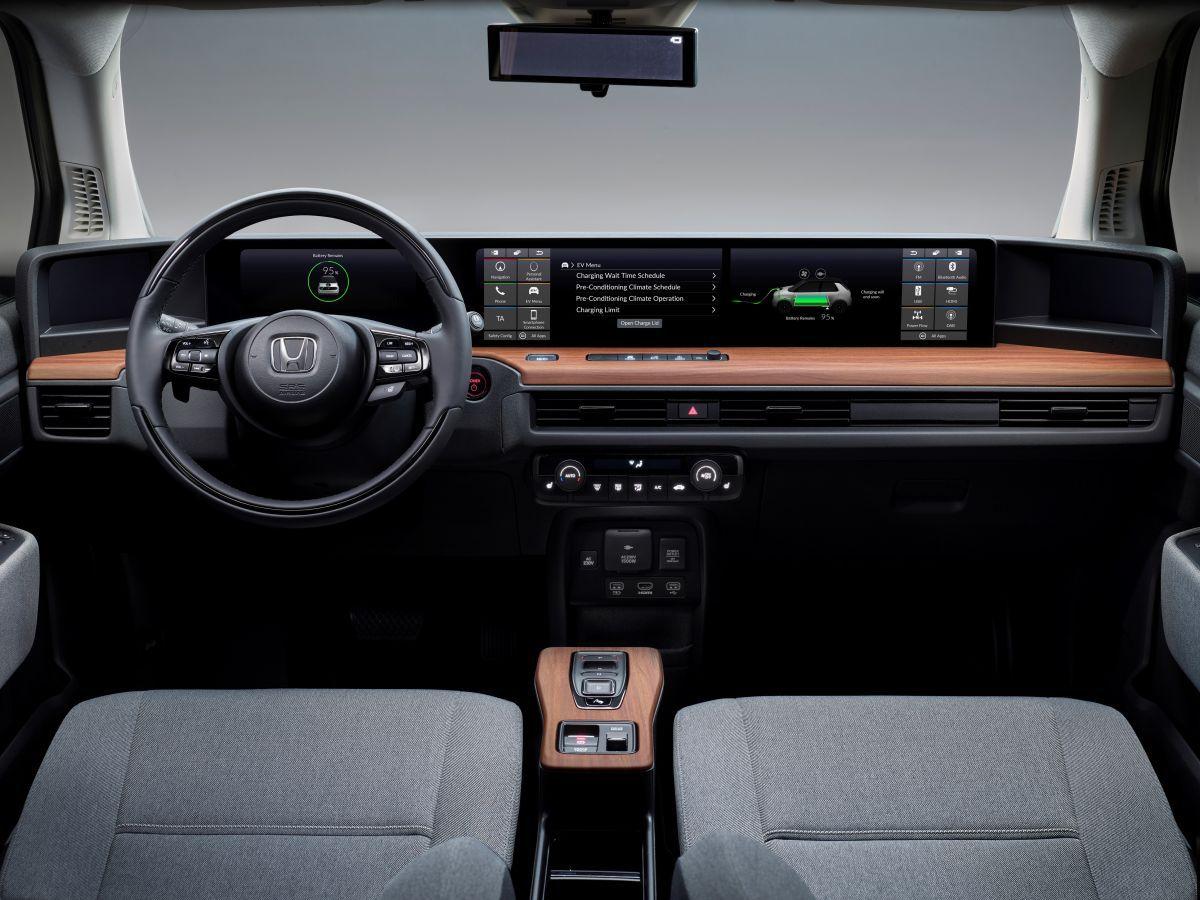 Honda học hãng xe khởi nghiệp Trung Quốc chơi màn hình siêu rộng - 4