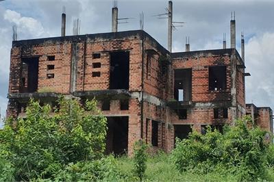 La liệt chung cư, biệt thự bỏ hoang ở Nhơn Trạch