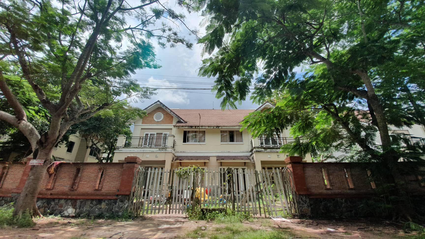 La liệt chung cư, biệt thự bỏ hoang ở Nhơn Trạch - 1