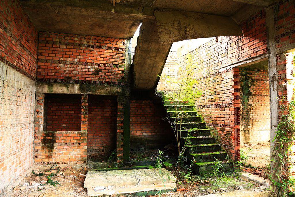 La liệt chung cư, biệt thự bỏ hoang ở Nhơn Trạch - 9
