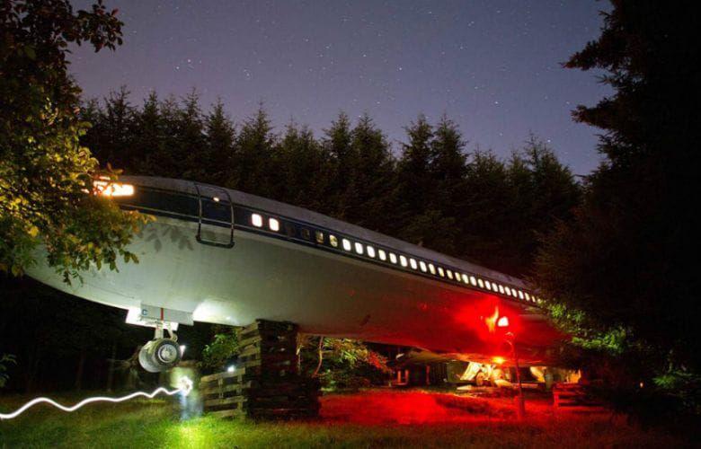 Người nam giới đã biến một chiếc máy bay cũ thành một căn nhà độc nhất vô nhị để ở - 5