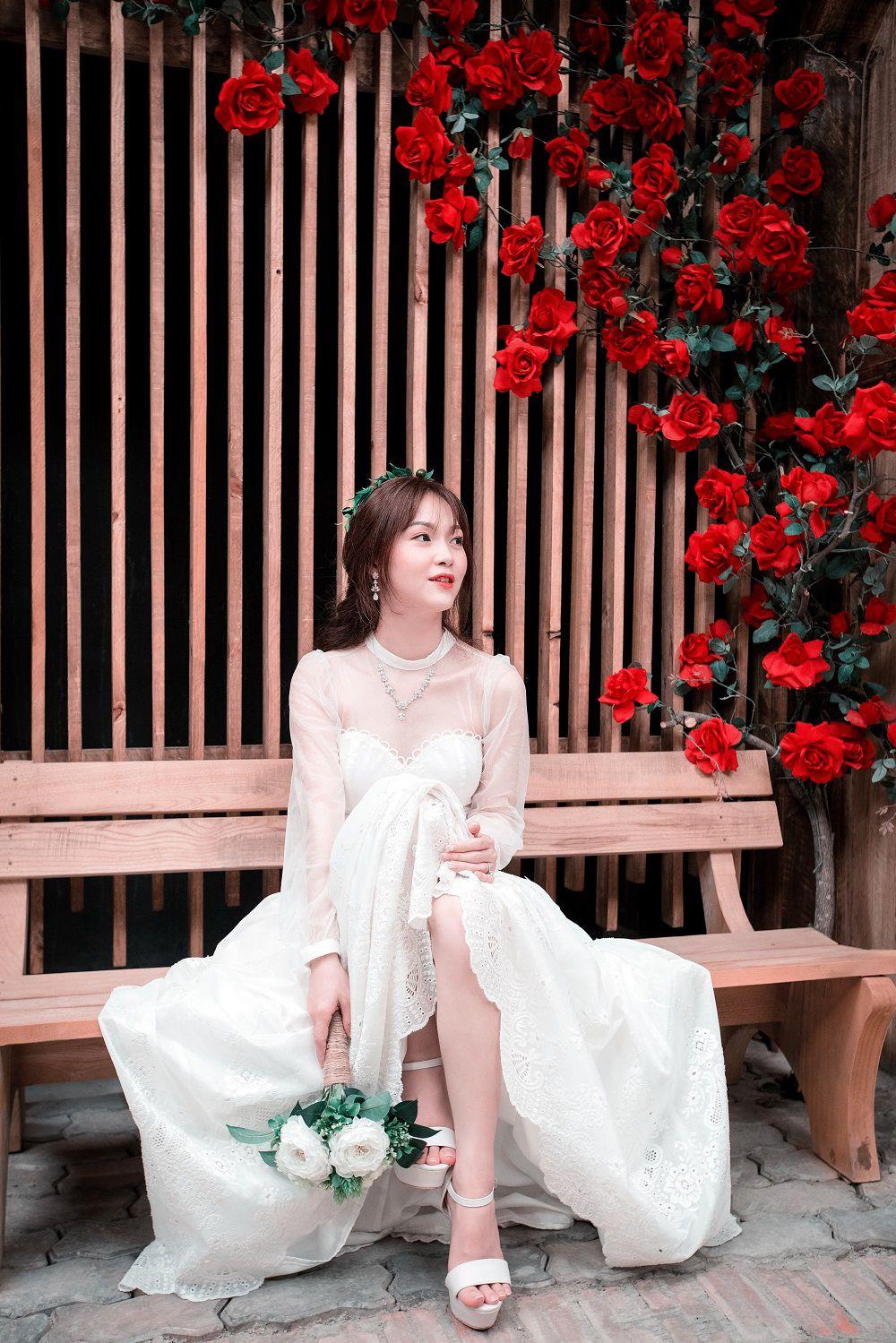 """Cô gái xinh xắn dành 3 tháng tự tay may váy cưới gây """"sốt"""" mạng - 4"""