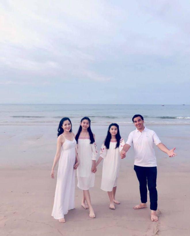 """Á hậu Trịnh Kim Chi: """"9 năm yêu Quyền Linh, có nhiều biến cố xảy ra..."""" - 5"""
