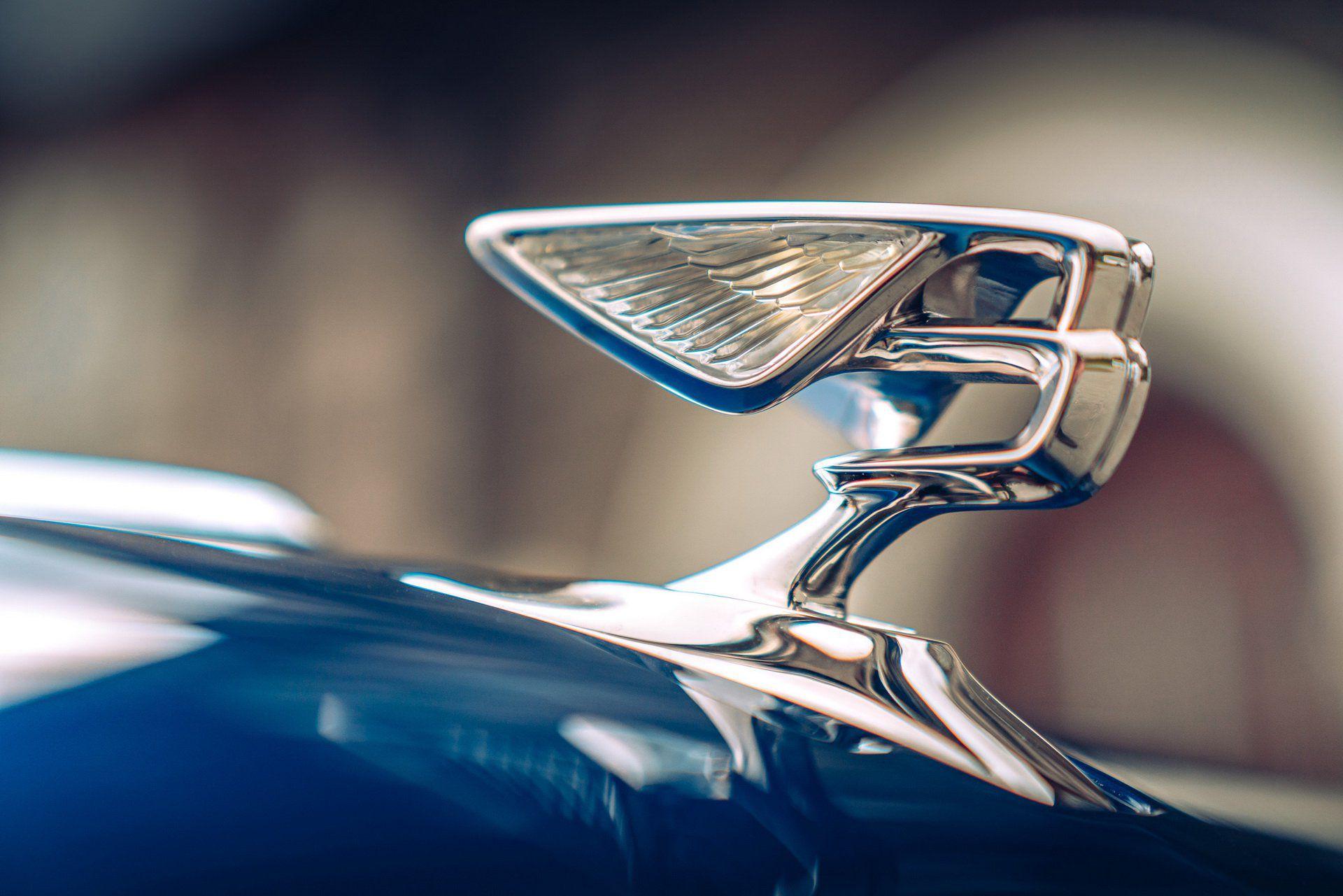 Bentley hồi sinh biểu tượng Chữ B đang bay - 1