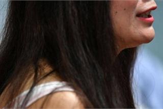 Người phụ nữ suýt bị lừa tiền vì quen đại gia kim cương 'dỏm'