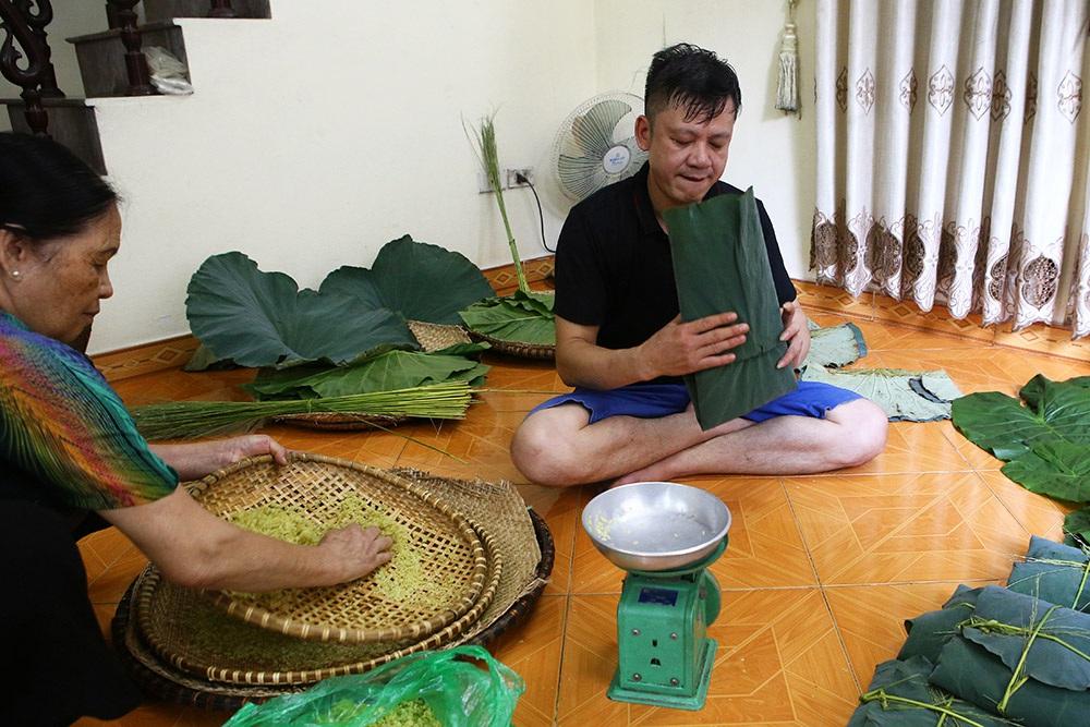 Tận mắt xem quy trình làm cốm ở làng nghề nổi tiếng nhất Hà Nội - 8