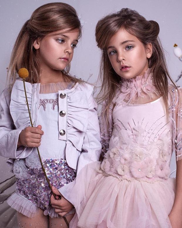 Cặp song sinh đẹp nhất thế giới: Mới 9 tuổi đã kiếm được hàng triệu đô la mỗi năm - 7