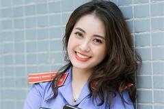 Nữ kiểm sát viên xinh đẹp, sở hữu nụ cười tỏa nắng