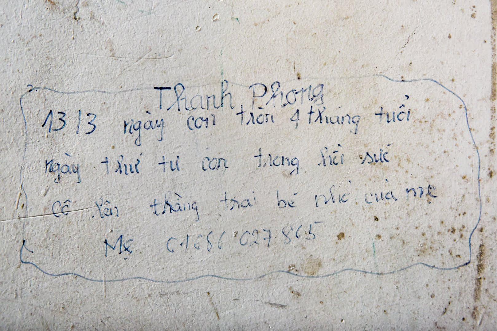 Sự thật khiến nhiều người cay mắt phía sau bức tường loang lổ, chi chít chữ ở viện E - 11