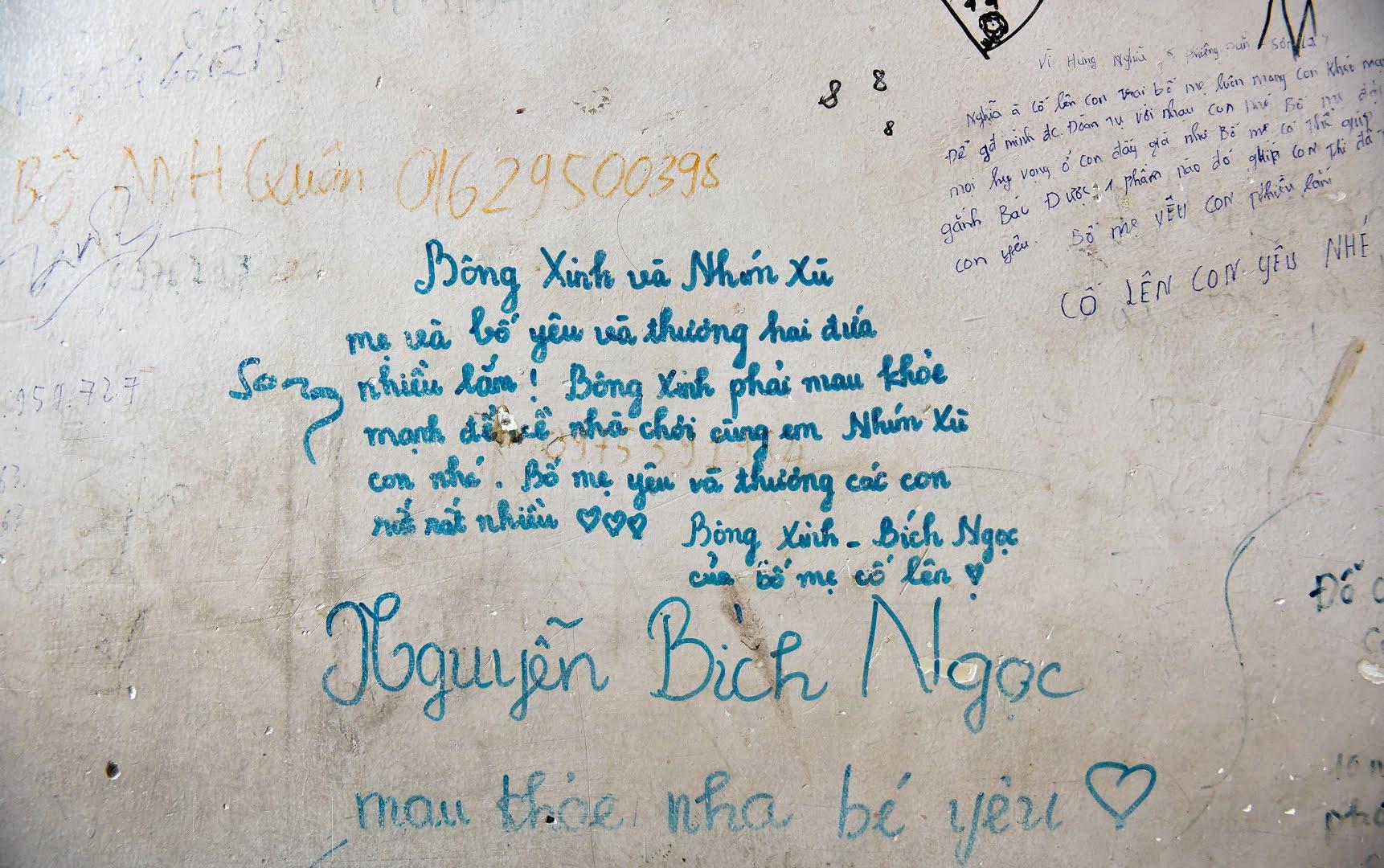 Sự thật khiến nhiều người cay mắt phía sau bức tường loang lổ, chi chít chữ ở viện E - 5