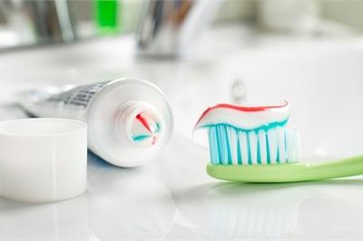Tại sao nhiều khách sạn cao cấp không có kem và bàn chải đánh răng?
