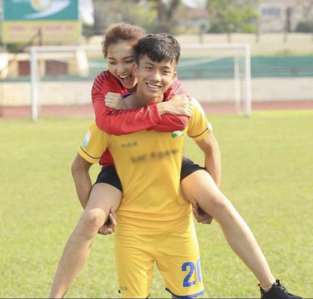 Cầu thủ Phan Văn Đức trách người cũ cố kiểm soát Facebook của anh? - 1