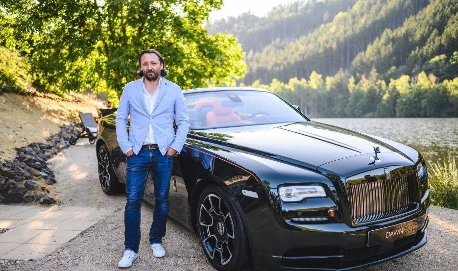 Liên tiếp hai giám đốc thiết kế rời bỏ Rolls-Royce - 1