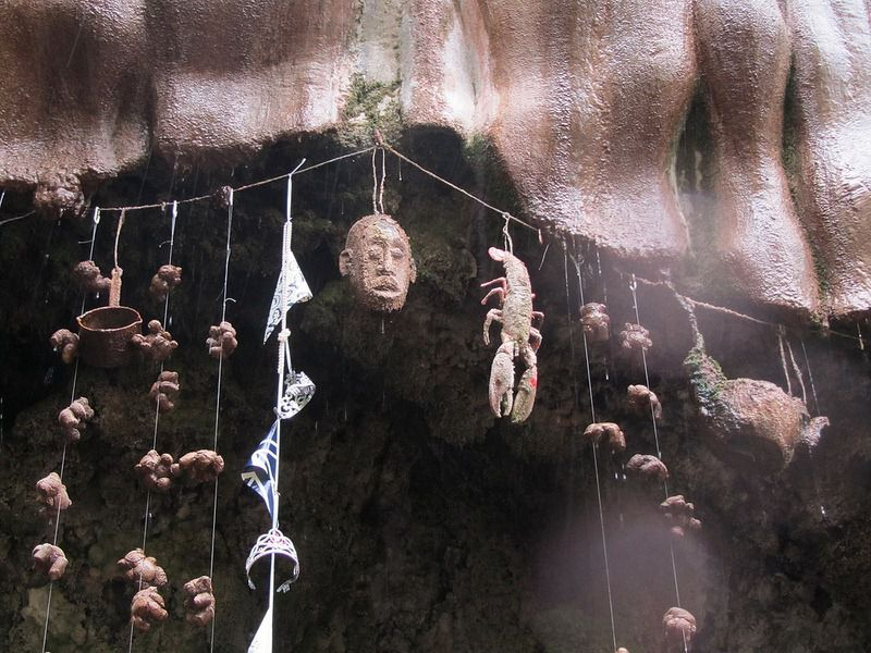 Giếng nước kỳ lạ khiến vạn vật …. hóa đá - 5