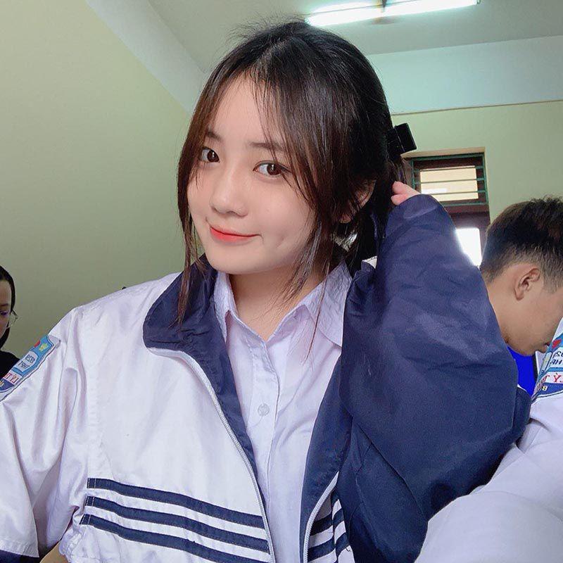 Nữ sinh Bắc Ninh mặc đồng phục hút ánh nhìn vì nhan sắc khả ái - 2