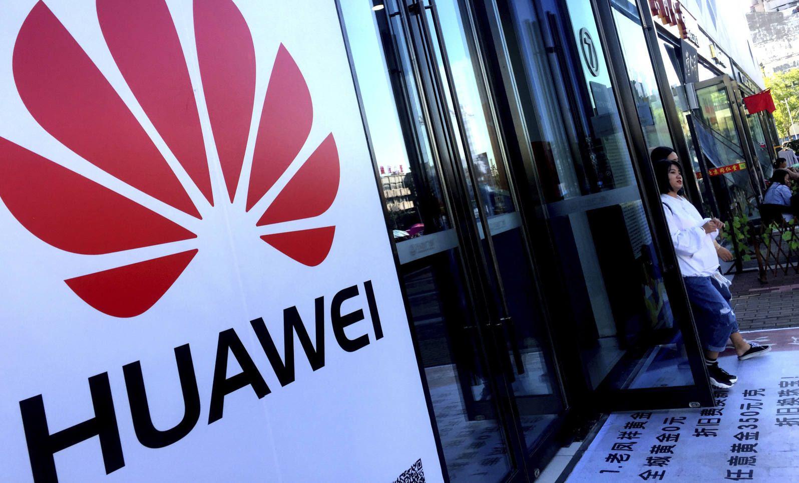 Mỹ cấm vận, Huawei vẫn bán điện thoại tốt hơn năm ngoái - 1