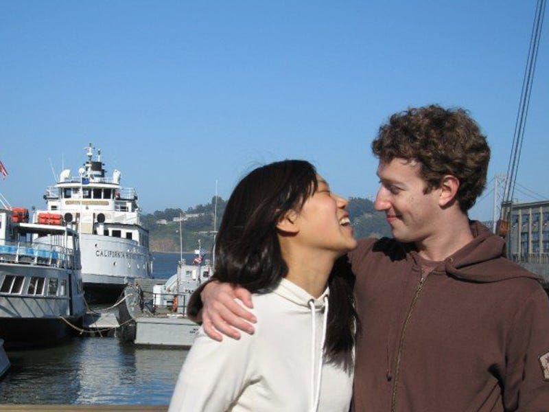 Những điều thú vị về mối tình đẹp kéo dài 16 năm giữa Mark Zuckerberg và vợ - 8