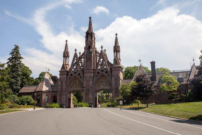 Bên trong nghĩa trang của giới nhà giàu - 2