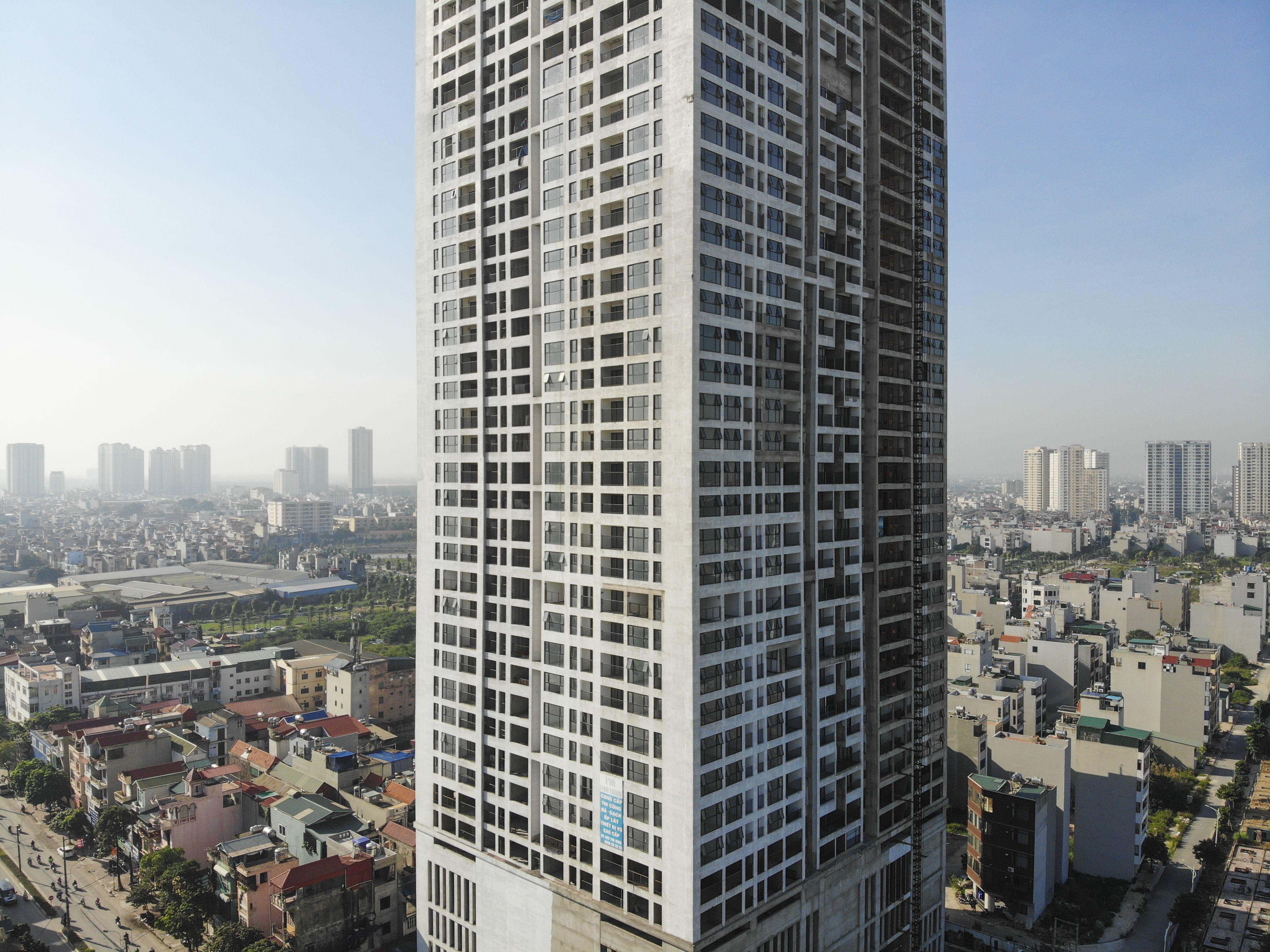 Những tòa cao ốc bỏ hoang sừng sững giữa đất vàng Hà Nội - 3