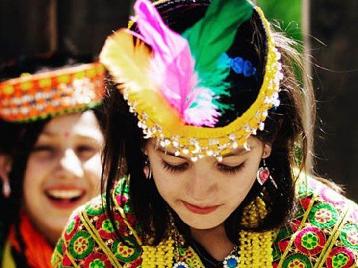 Bộ lạc nổi tiếng với sức khỏe dẻo dai và nhiều mỹ nhân đẹp nhất thế giới - 2