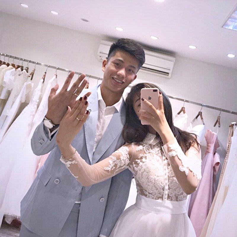 Tuyển thủ Văn Đức và bạn gái hot girl tiết lộ kế hoạch tổ chức đám cưới - 1
