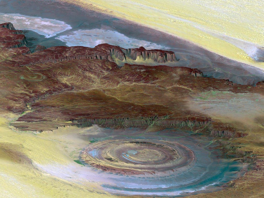 Con mắt khổng lồ bí ẩn trên sa mạc lớn nhất thế giới - 2