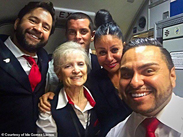 Nữ tiếp viên hàng không 79 tuổi kiện hãng bay vì bịđuổi việc - 2