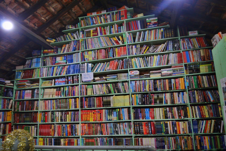 Chuyện ít biết về nhà sách cổ kính, độc đáo nhất Hà Nội - 5